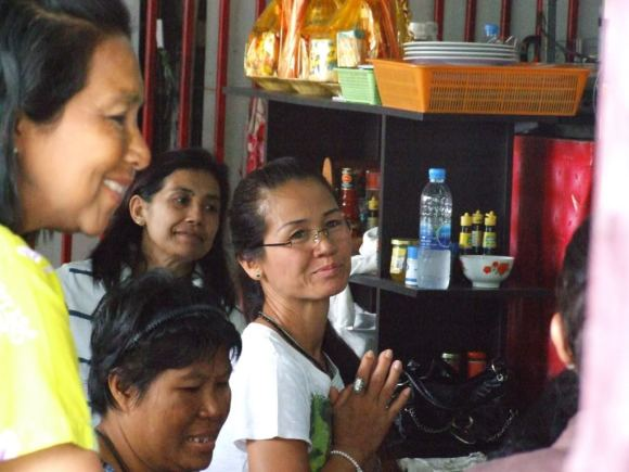 www.thai-dk.dk/penfoto/3/Begravelse49.jpg