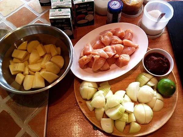 Cooking Lesson: Ingredients Massaman Curry