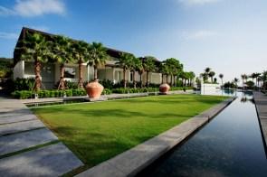 Baan Yamu Pool Building