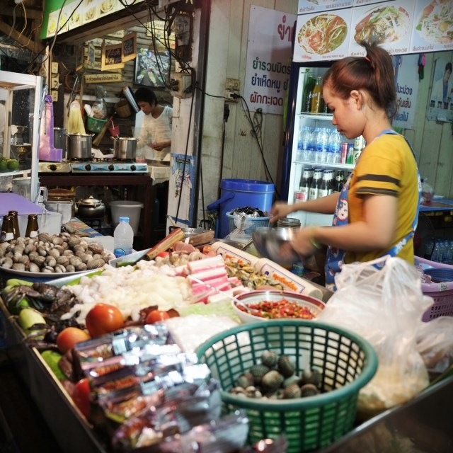 Delicious local street food in Thailand will cost just US$1-US$3 per meal.