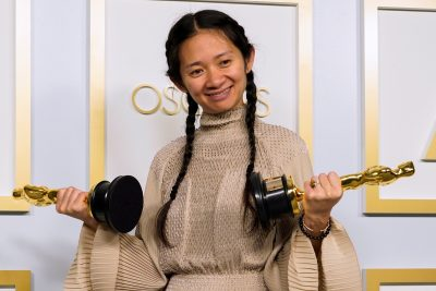 Chloe Zhao, winner of the award for Best Picture for 'Nomadland', poses in the press room at the Oscars, in Los Angeles, California, United States, 25 April 2021 (Photo: Chris Pizzello/Pool via Reuters).