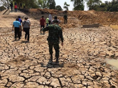 People worried about drought 'but doing little'