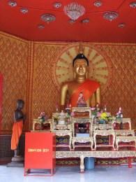 statue temple bouddhiste thai penang malaisie