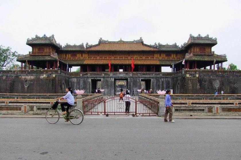 entrée cité impériale de hue - vietnam