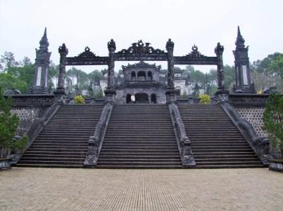 tombeaux imperiaux hué - vietnam