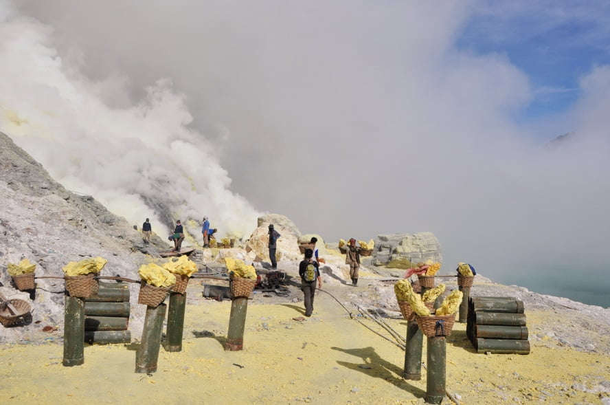 cratere kawah ijen java indonesie