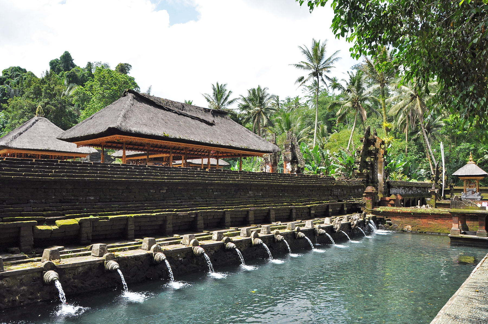 cover bali centre temple pura tirta empul