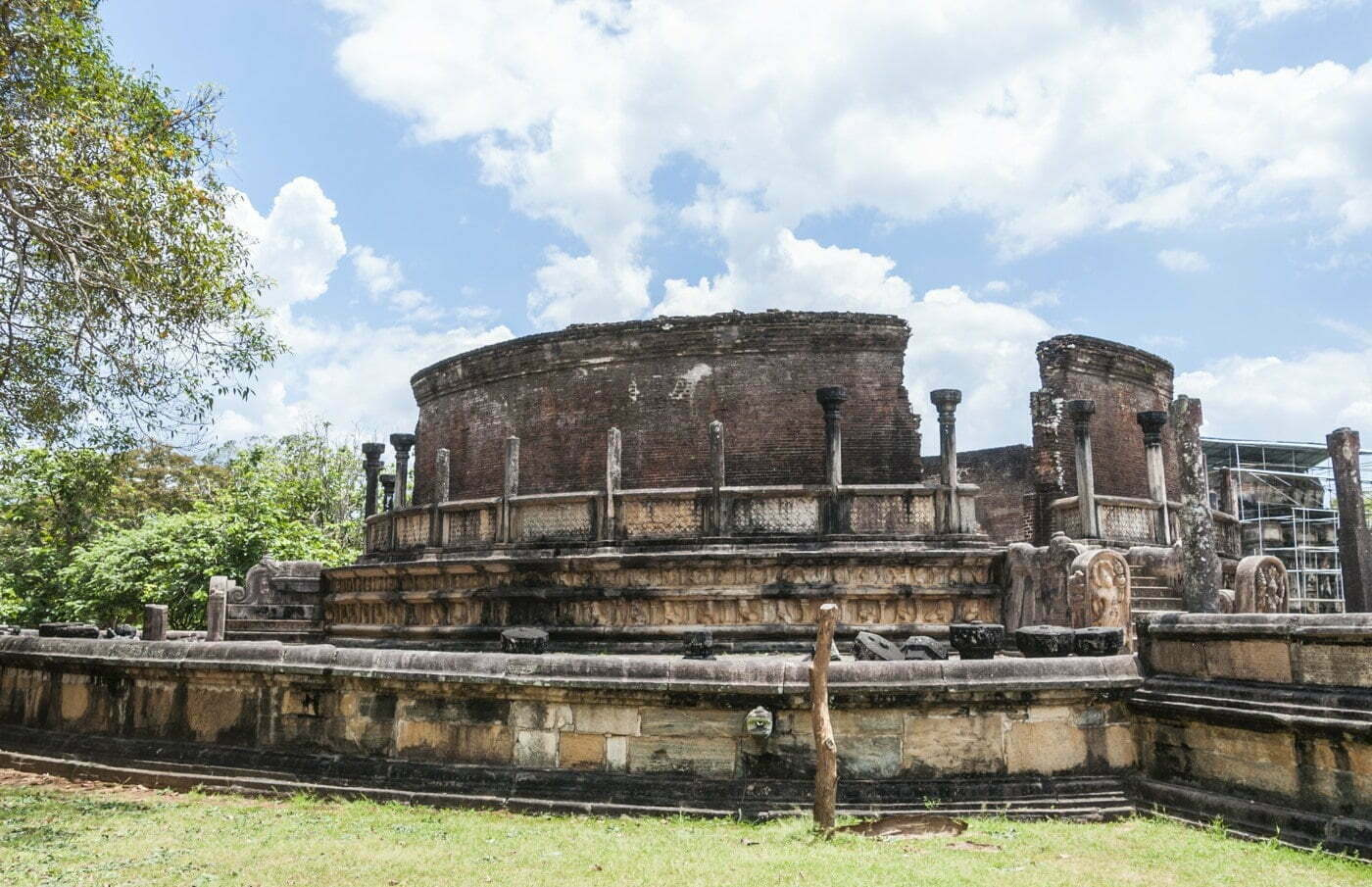 quadrangle vatage - polonnaruwa - sri lanka