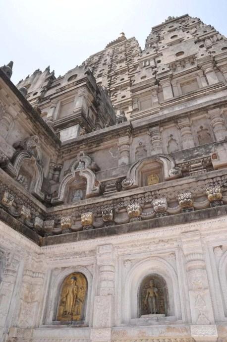 facade temple mahabodhi bodhgaya - inde