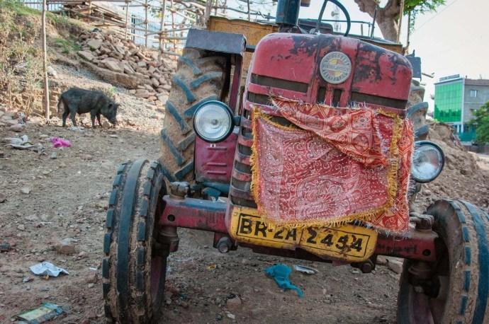tracteur rue bodhgaya - inde