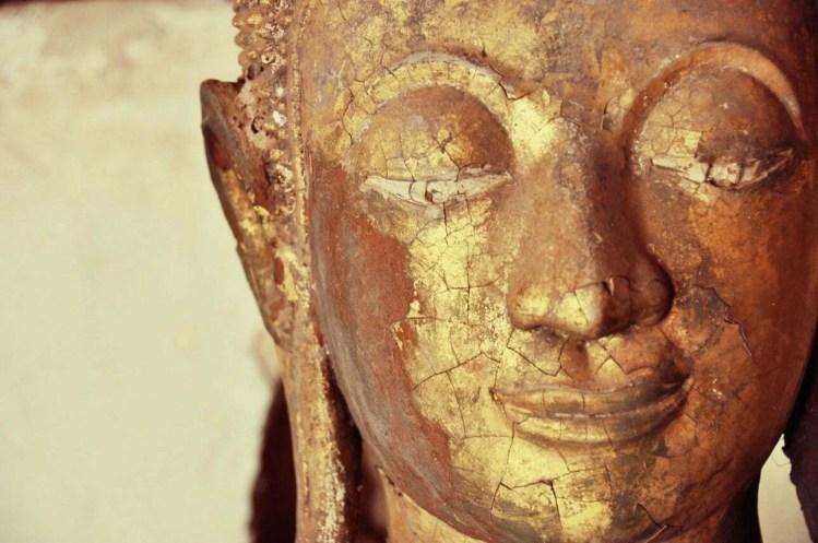 Visage statue Bouddha Wat Sisaket Vientiane Laos
