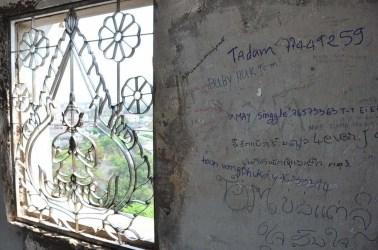 Grafitis au Patuxai Vientiane Laos
