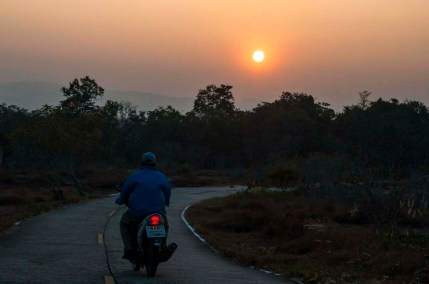 Coucher soleil Phu Chong Na Yoi National Park-Ubon Ratchathani