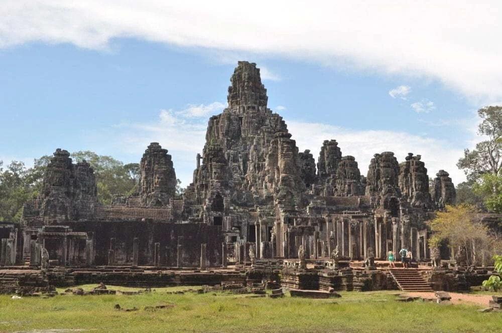 vue globale temple bayon cambodge