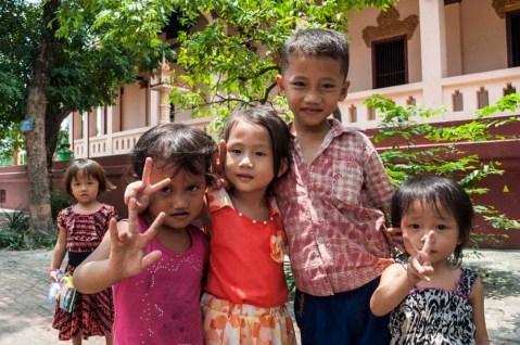 Petits Cambodgiens au Wat Phnom