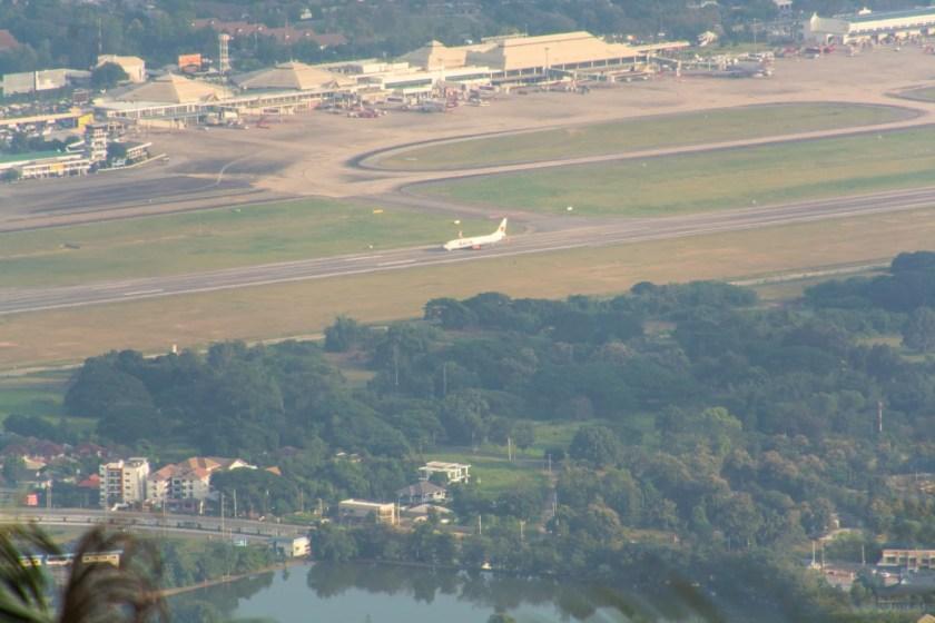 aeroport chiang mai vue depuis montagne doi suthep