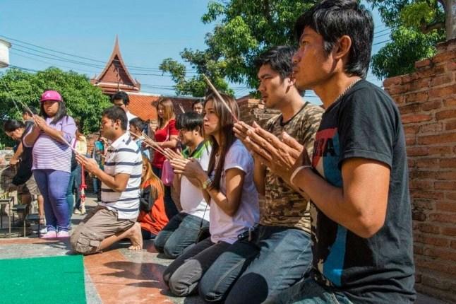 Prieres - Wat Yai Chai Mongkol - Ayutthaya