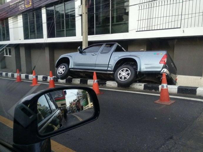 accident voiture thailande
