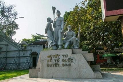 statue rue hanoi
