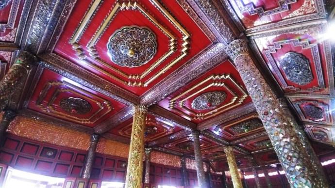 plafond decore wat si rongmuang lampang thailande