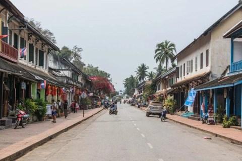 une rue de luang prabang - laos