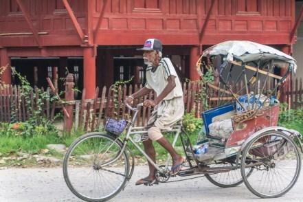 rickshaw temple phetchaburi