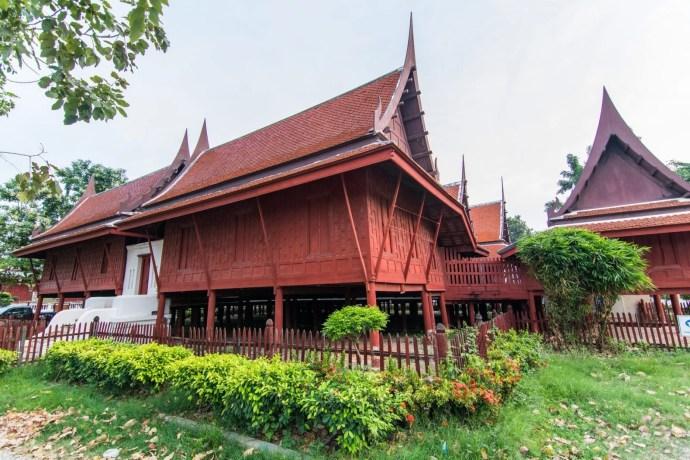 temple phetchaburi