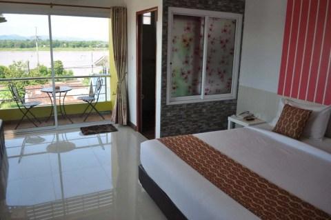 chambre hotel khongpumork hometel nakhon phanom