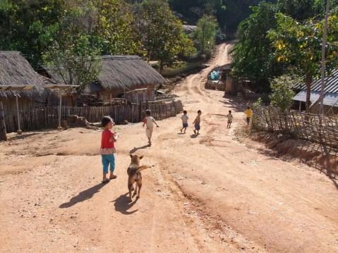 village proche mae salong - thailande