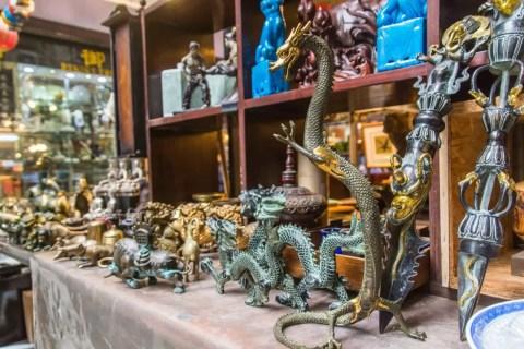 figurines dragon hong kong