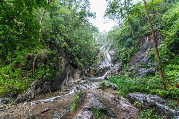 cascade nord thailande en aout