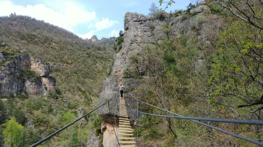 pont activite tyrolienne via ferrata blogtrip aveyron
