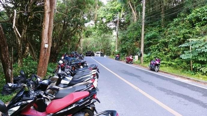 parking banana beach phuket