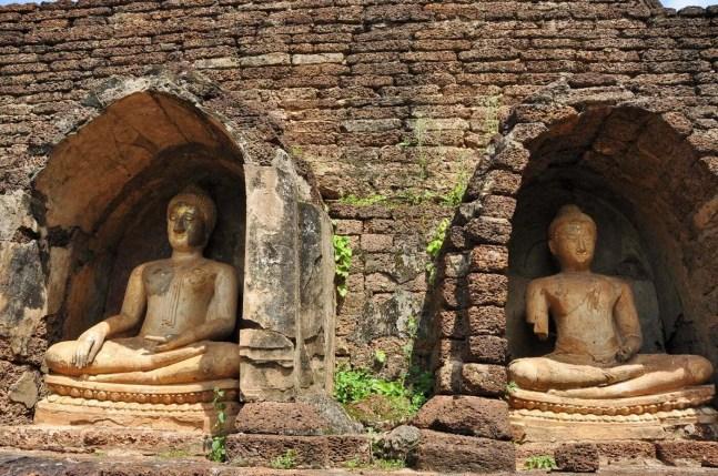 bouddhas niche wat chang lom - si satchanalai - thailande