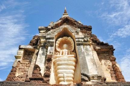 statue bouddha naga wat chedi chet thaeo - si satchanalai - thailande
