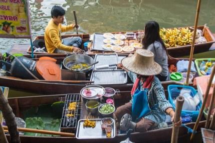 bateaux marché flottant damnoen saduak