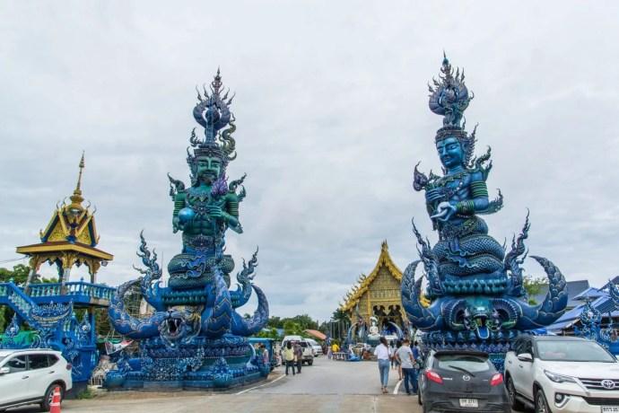 entree wat rong suea ten - temple bleu - chiang rai