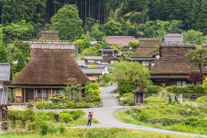 maisons toits de chaume village miyama kayabuki-no-sato - japon