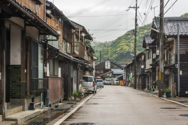 rue vide village ine - japon