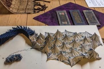 teintures toiles araignees little indigo museum kayabuki-no-sato - japon