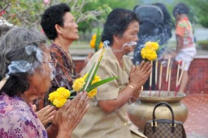 respect au roi ramkhamhaeng parc historique sukhothai - thailande