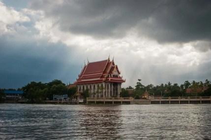 temple long riviere mae klong tour amphawa - thailande