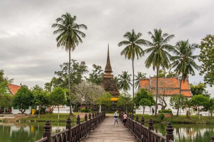 temple wat traphang thong sukhothai