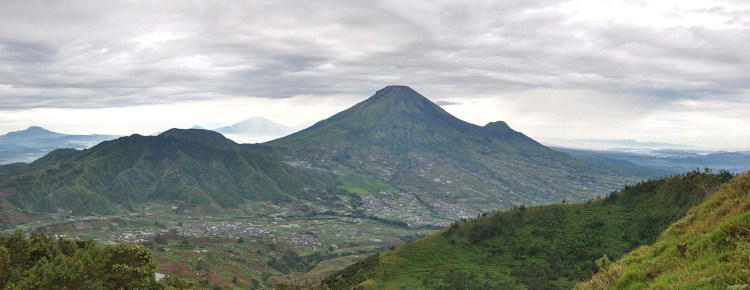 vue plateau de dieng central java indonesie