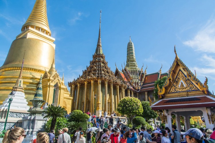 chedi dore temple royal bangkok