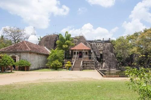 beau temps temple anuradhapura - sri lanka