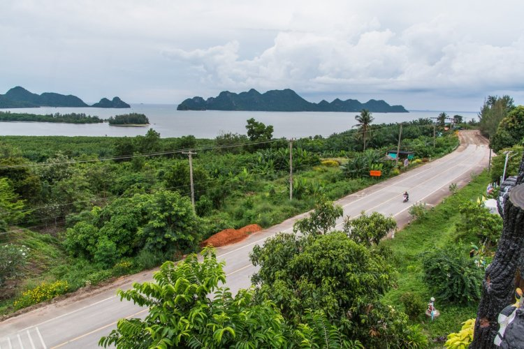 paysage baie wat kaeo prasert chumphon thailande