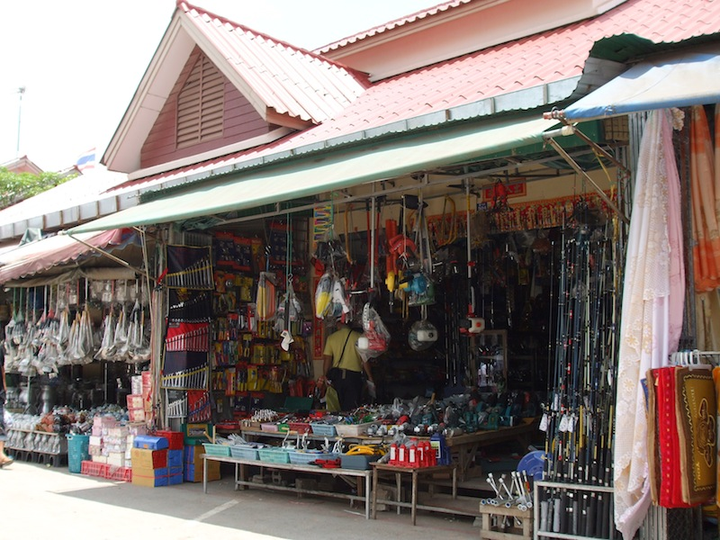 Fake Brand Name Products Seized near Thai-Cambodian Border