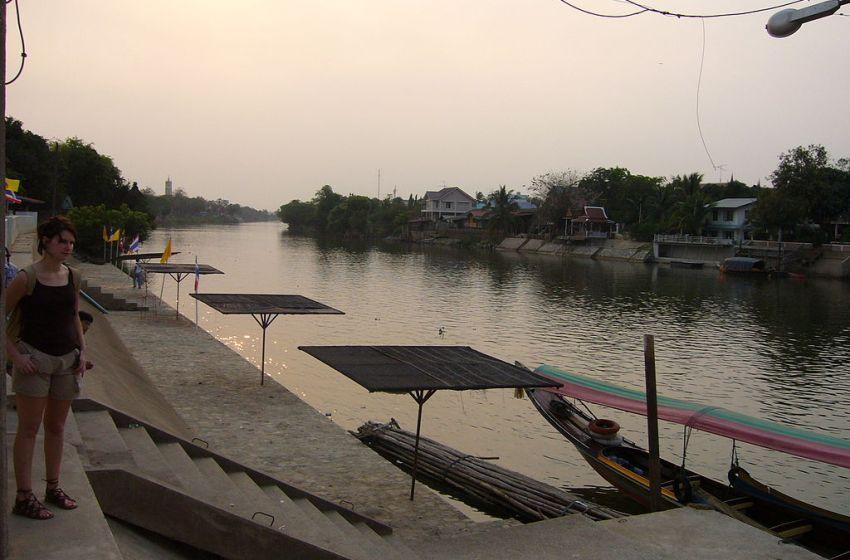 Three bodies found buried near irrigation canal in Ayutthaya
