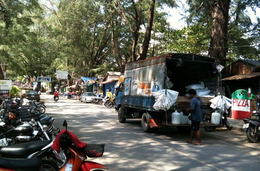 Australian tourist found dead in Phuket resort pool